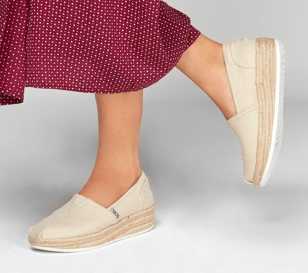 sensación quiero preposición  Buy SKECHERS BOBS Highlights 2.0 - Fairy Duster BOBS Shoes | Bob shoes, Skechers  bobs, Fabric shoes