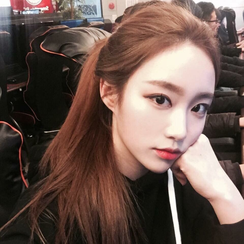 Sienazhang Makeup Pinterest Ulzzang Hair Color And Ulzzang Girl