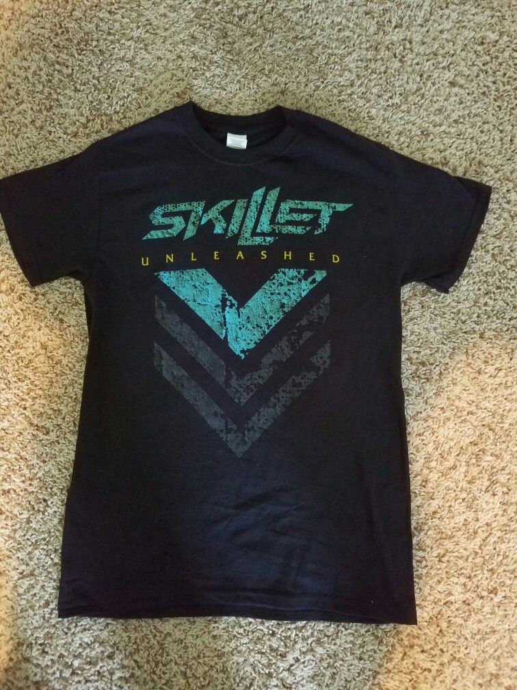 3db8bfcf Skillet Unleashed t-shirt | T-shirts in 2019 | T shirt, Shirts, Fashion
