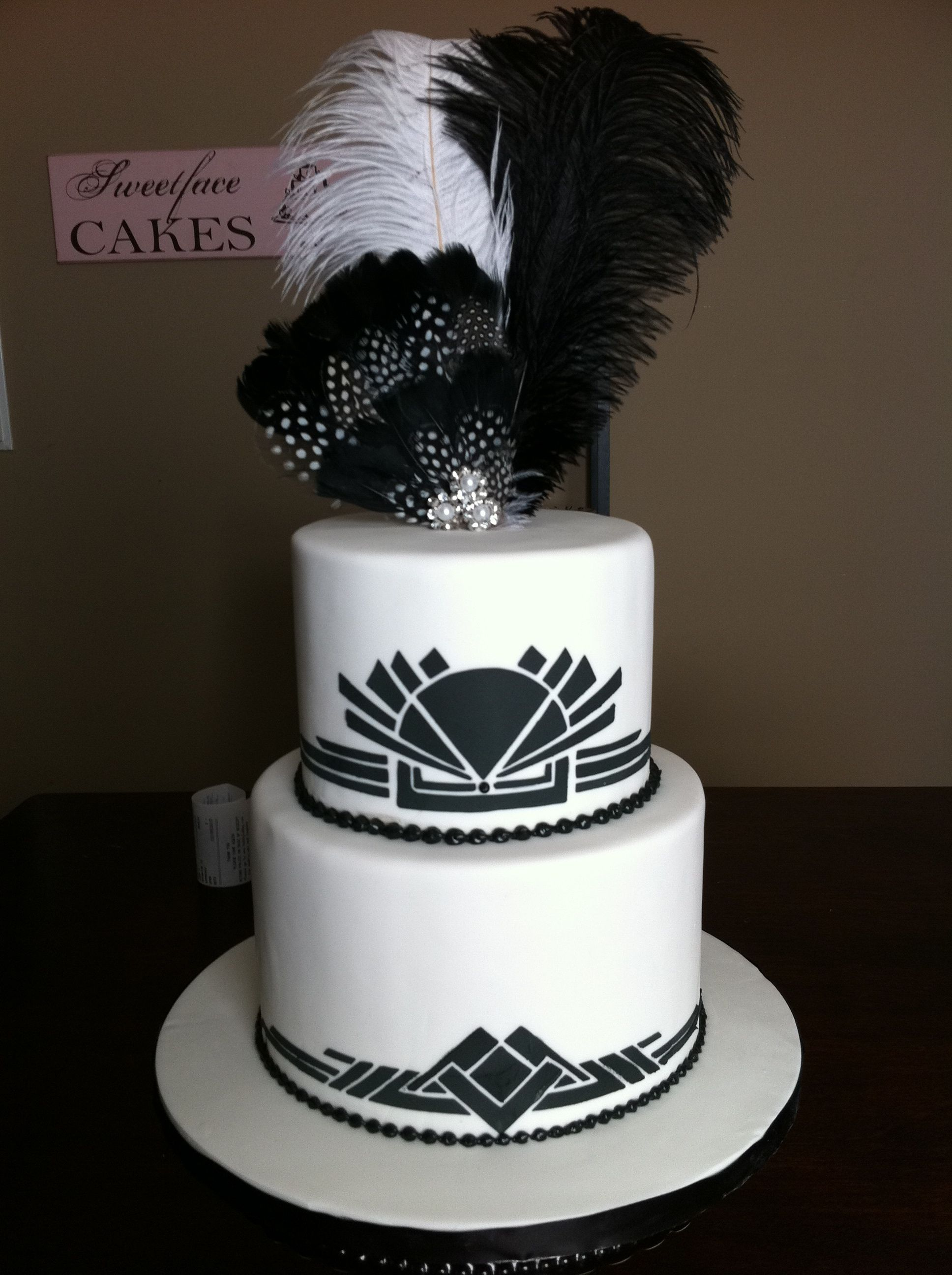 Black White Art Deco cake by Renay Zamora Sweetface Cakes