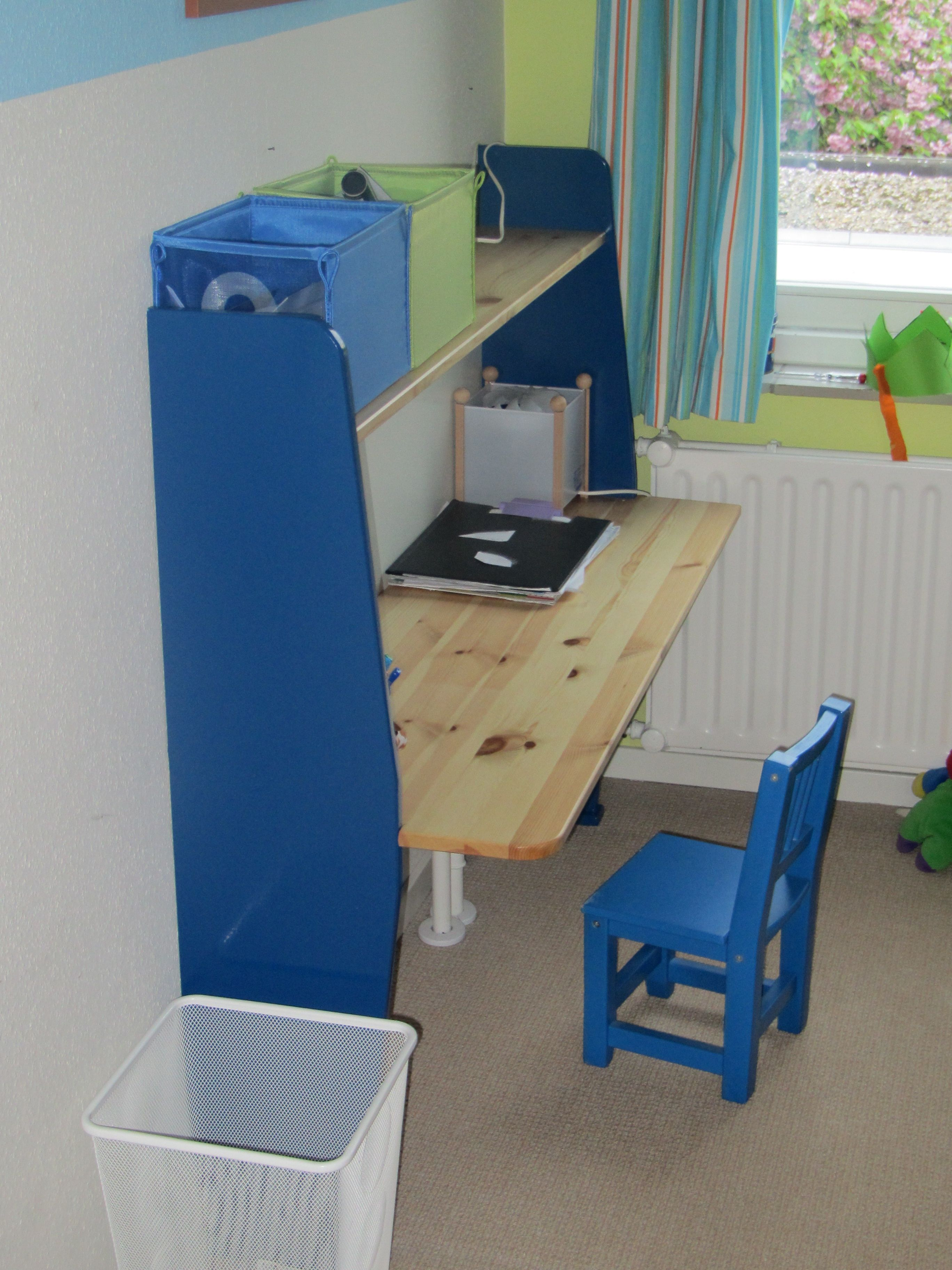 DIY desk for a small child's room DIY ideas Pinterest