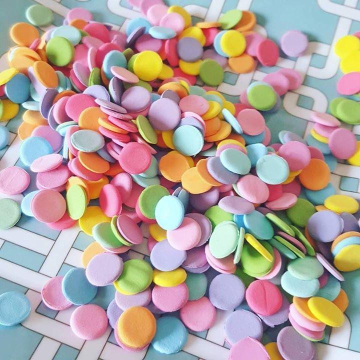 Confetti handmade din pasta polimerica  la ce credeti ca il vom folosi? #deliciumic - http://ift.tt/1ipRjKg -