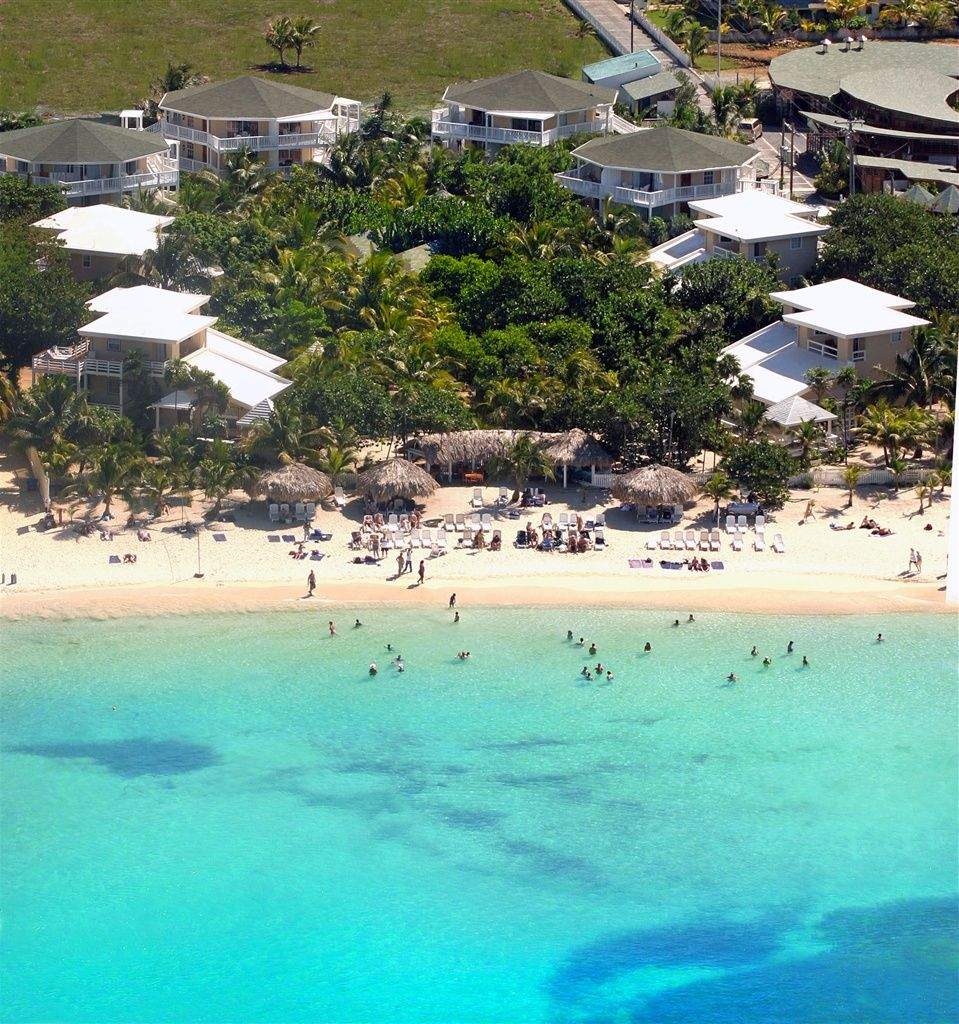 Paradise Beach: Paradise Beach Club, Roatan In West Bay Beach #Roatan