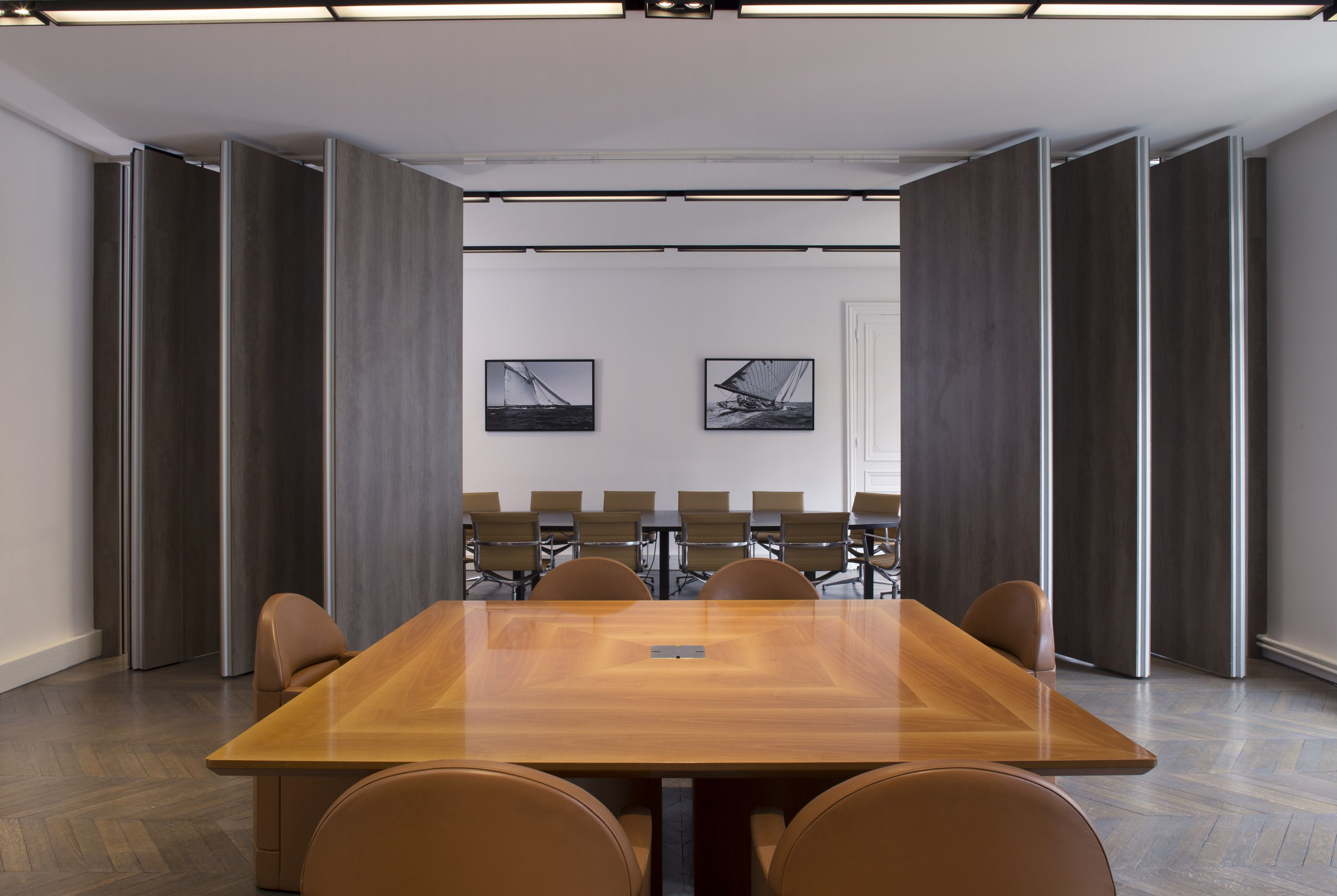 Salle de r union par cl ram style design bureau for Bureau entreprise design