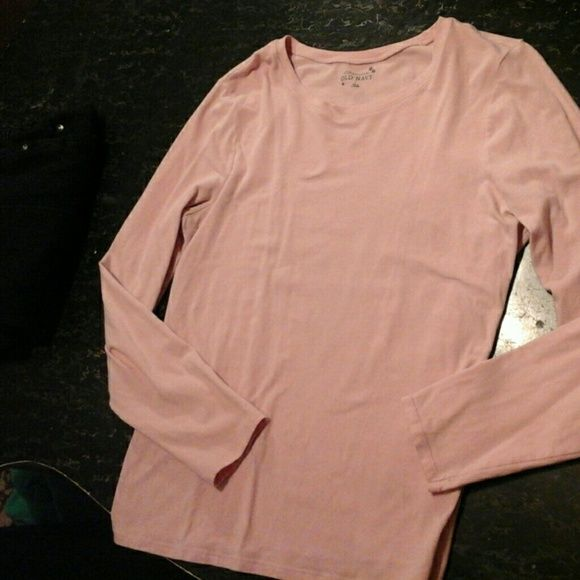 Pretty  N Pink long sleeve womens Old Navy Pretty  N Pink long sleeve womens Old Navy  size Large light pink Old Navy Tops Tees - Long Sleeve