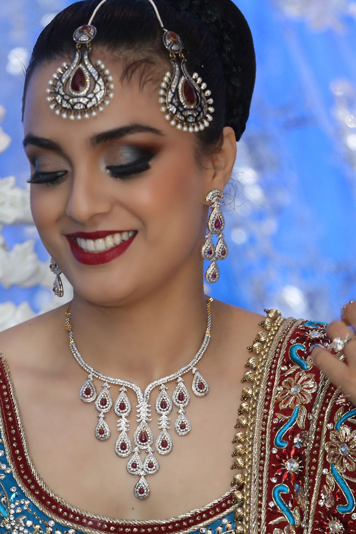Bridal Makeup Artist Toronto Ms Studio Make Up And Hair Studio Soooo Pretty And It Is A Bold Look But Bridal Makeup Desi Bridal Makeup Best Bridal Makeup