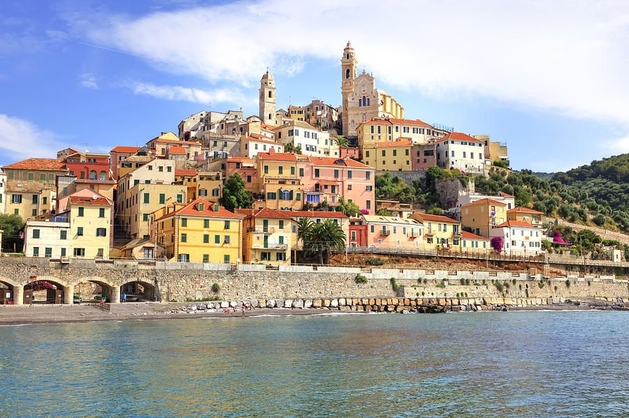 Cervo Liguria http://www.guidemarcopolo.it/guide-carte-stradali/guide-di-viaggio/detail/read/liguria.html