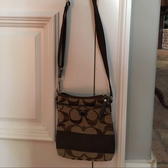 Coach crossbody purse Gently used great condition Coach Bags Crossbody Bags