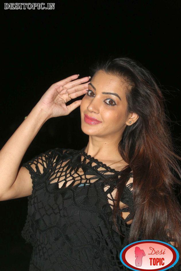 Deeksha Panth New Sexy Images Check more at http://desitopic.in/celebrities/tollywood/deeksha-panth-new-sexy-images/