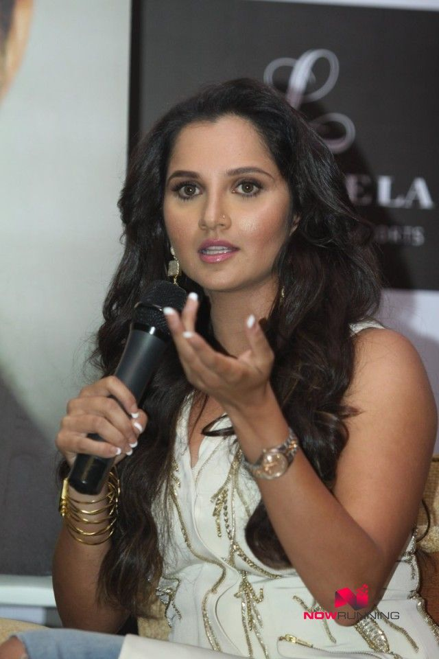 Salman Khan unveils Sania Mirza book 'Ace Against Odds' | NOWRUNNING