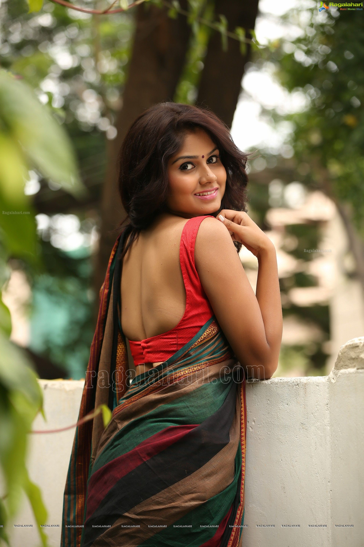 Actress Hot Wallpapers Latest Images Stills Telugu Mp3