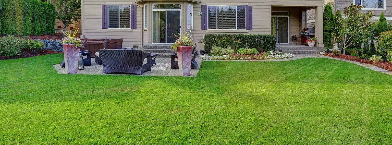 Fall/Spring Cleanups with Lawn & Landscape