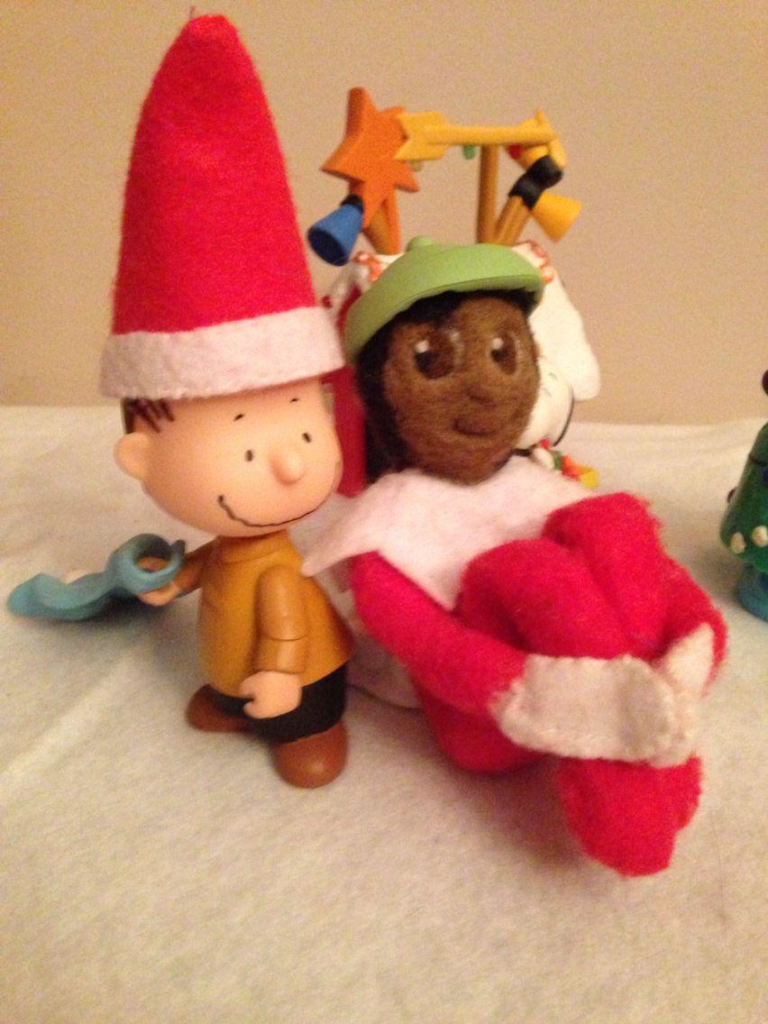 Sanjaya trading hats with Linus