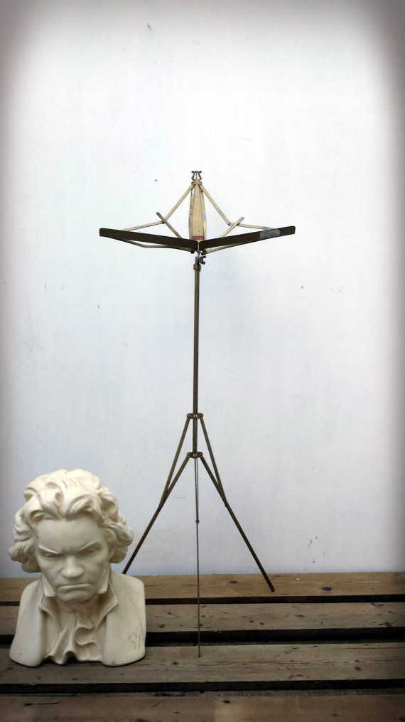 Vintage Metal Music Stand// Picture Art Book Display Stand