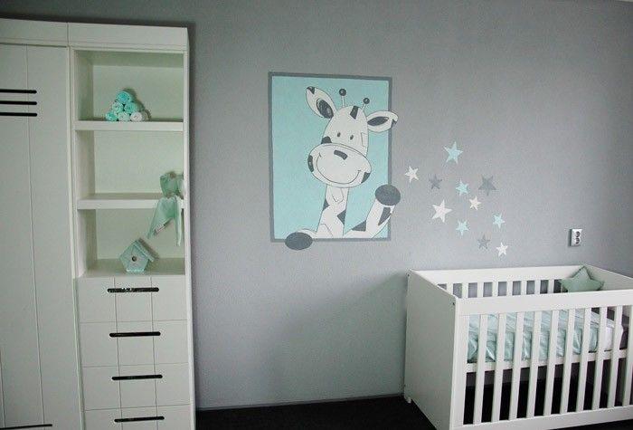Giraf babykamer muurschildering gemaakt op grijze spachtelputz structuur de giraffe strooit - Verf babykamer ...