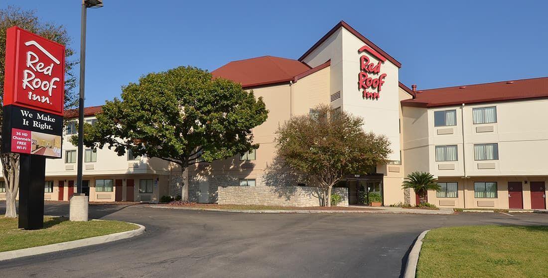 Cheap, Pet Friendly Hotel Smoke Free San Antonio, TX