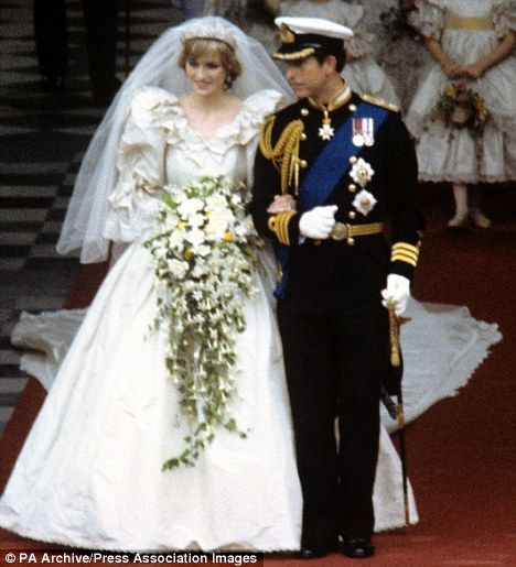 Arguably The Worlds Most Famous Wedding Dress Princess Dianas Royal Bridal Gown Arrived At