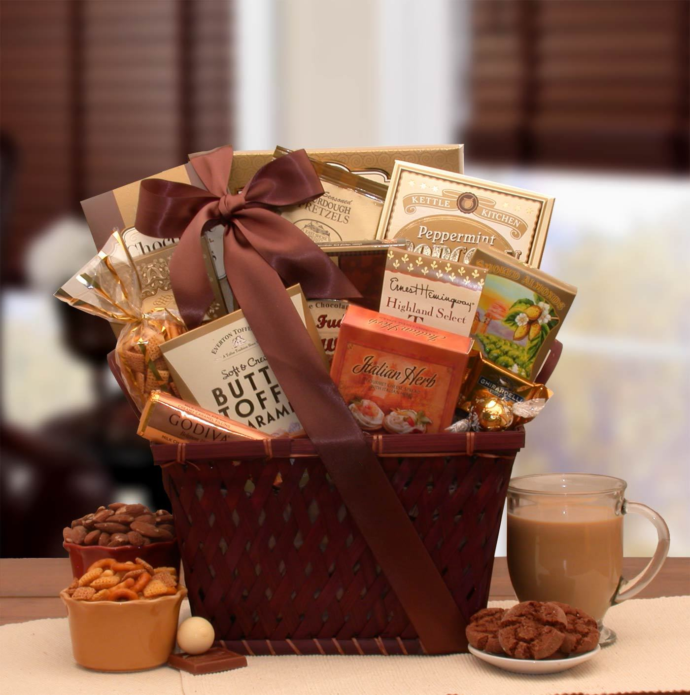 Classic Gourmet Gift Basket #Freeshipping #Finegifts #Sweet #Gifts
