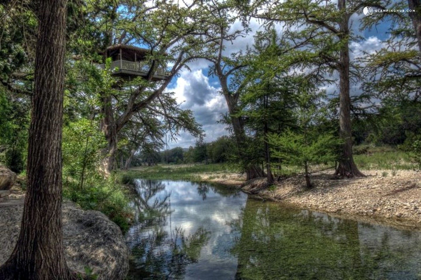 houses and texas pin friendly lodging in frio cabins rio family hill furnished fully the