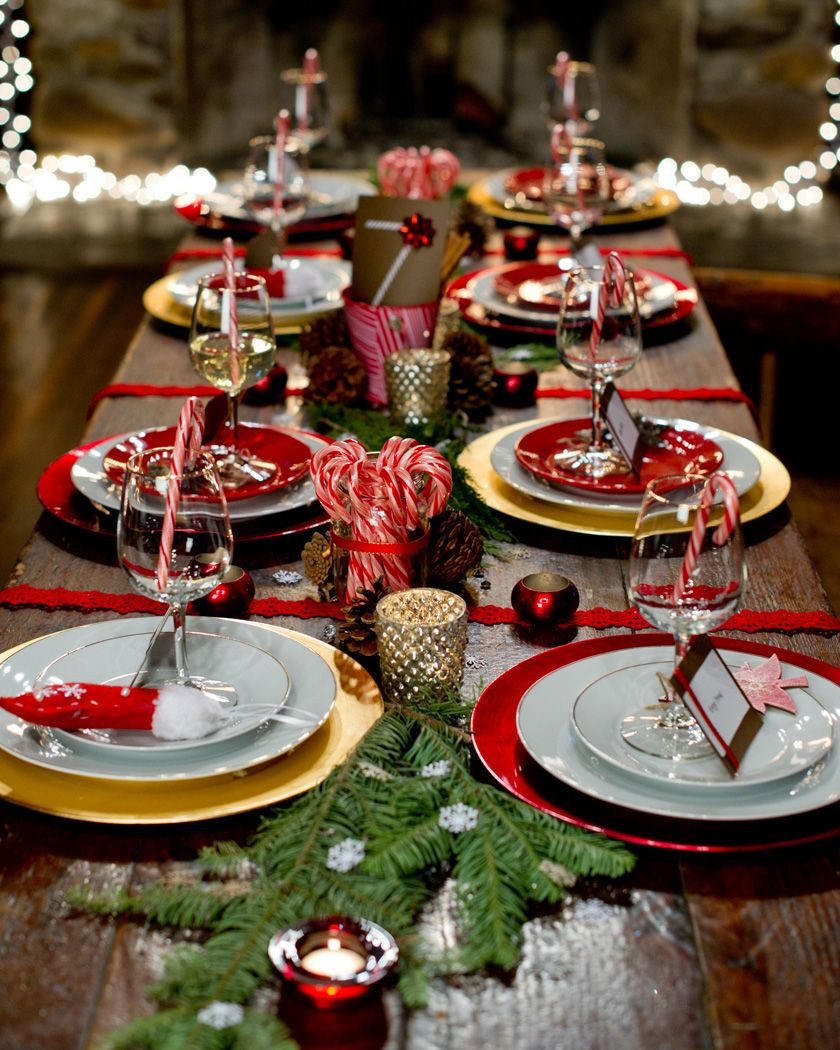 Beautiful Last Minute Christmas Table Settings Ideas Shake My Blog Christmas Decorations Dinner Table Christmas Dinner Table Christmas Dinner Decorations