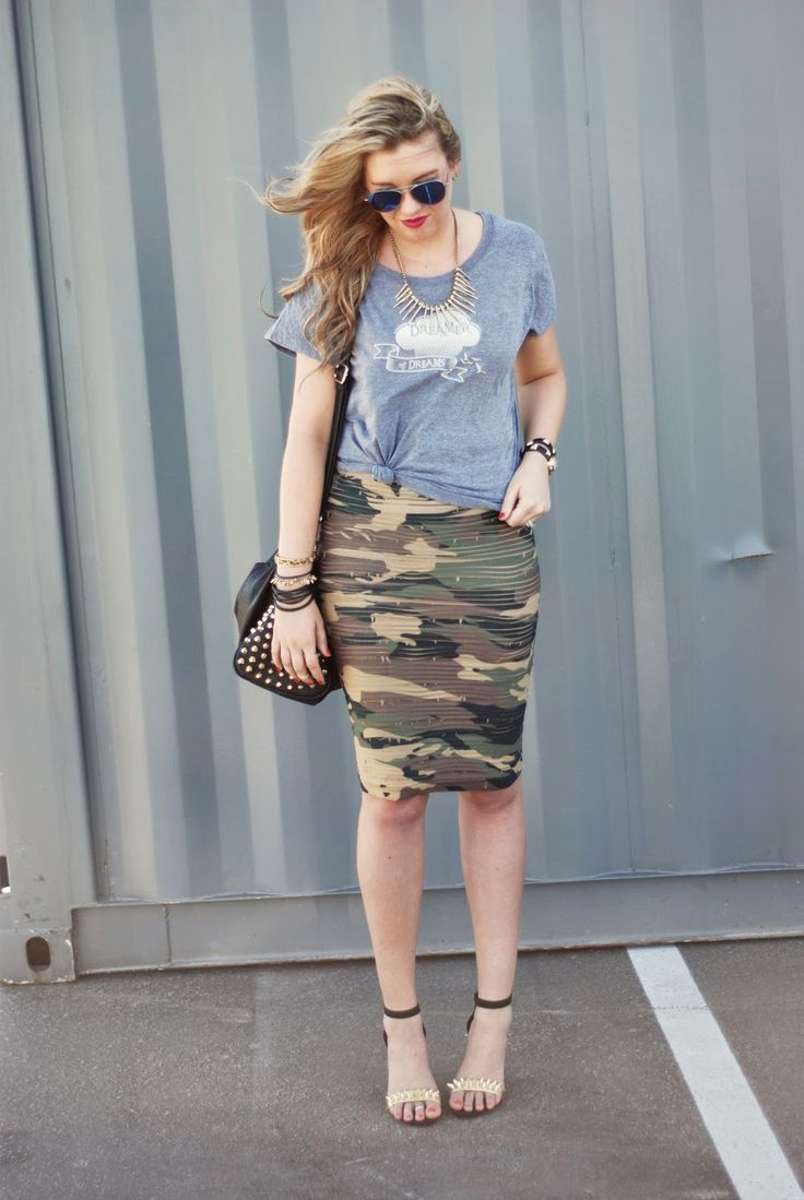 5eb76c13e0e33 how to wear a camo pencil skirt | Simple graphic tee with a camo pencil  scrunchy skirt with a few studs .