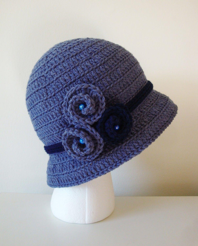 Sombrero tipo cloche, en crochet y con bonito adorno... | Festivos y ...