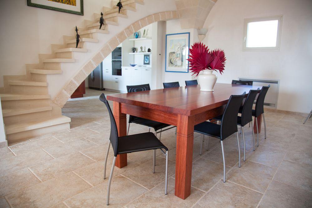 Tavolo in stile contemporaneo in legno bubinga africana ...