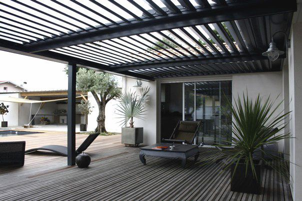 aluminium bioclimatic pergola with mobile slats. Black Bedroom Furniture Sets. Home Design Ideas