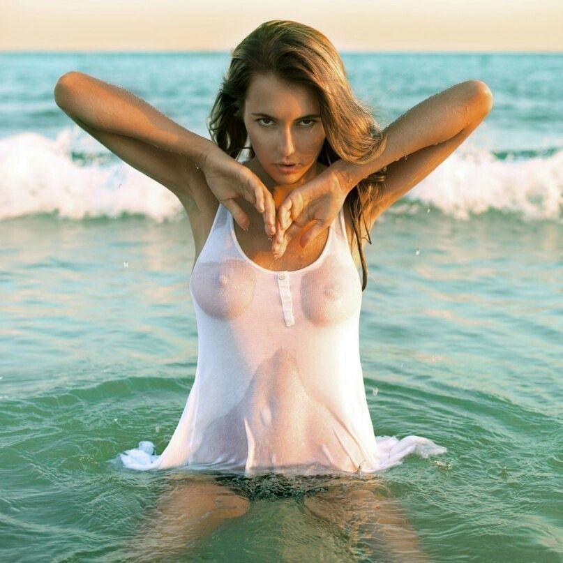Wet t shirt contest porn pics