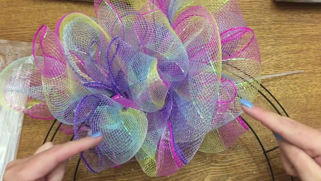 Wonderful Wreaths: How To Make A Poof/Pouf Style Wreath With Dollar Tree Mesh