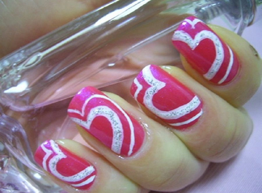 Smart Idea of Pink and White Nail Designs with Love Symbol