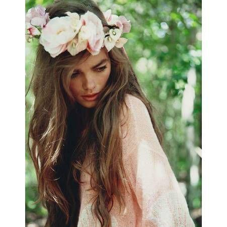 des fleurs blanches dans les cheveux d coration mariage wedding pinterest fleurs. Black Bedroom Furniture Sets. Home Design Ideas