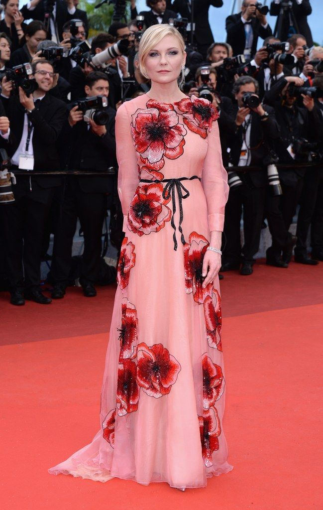 See Kim Kardashian\'s Blinding Diamond-Inspired Gown at Cannes ...
