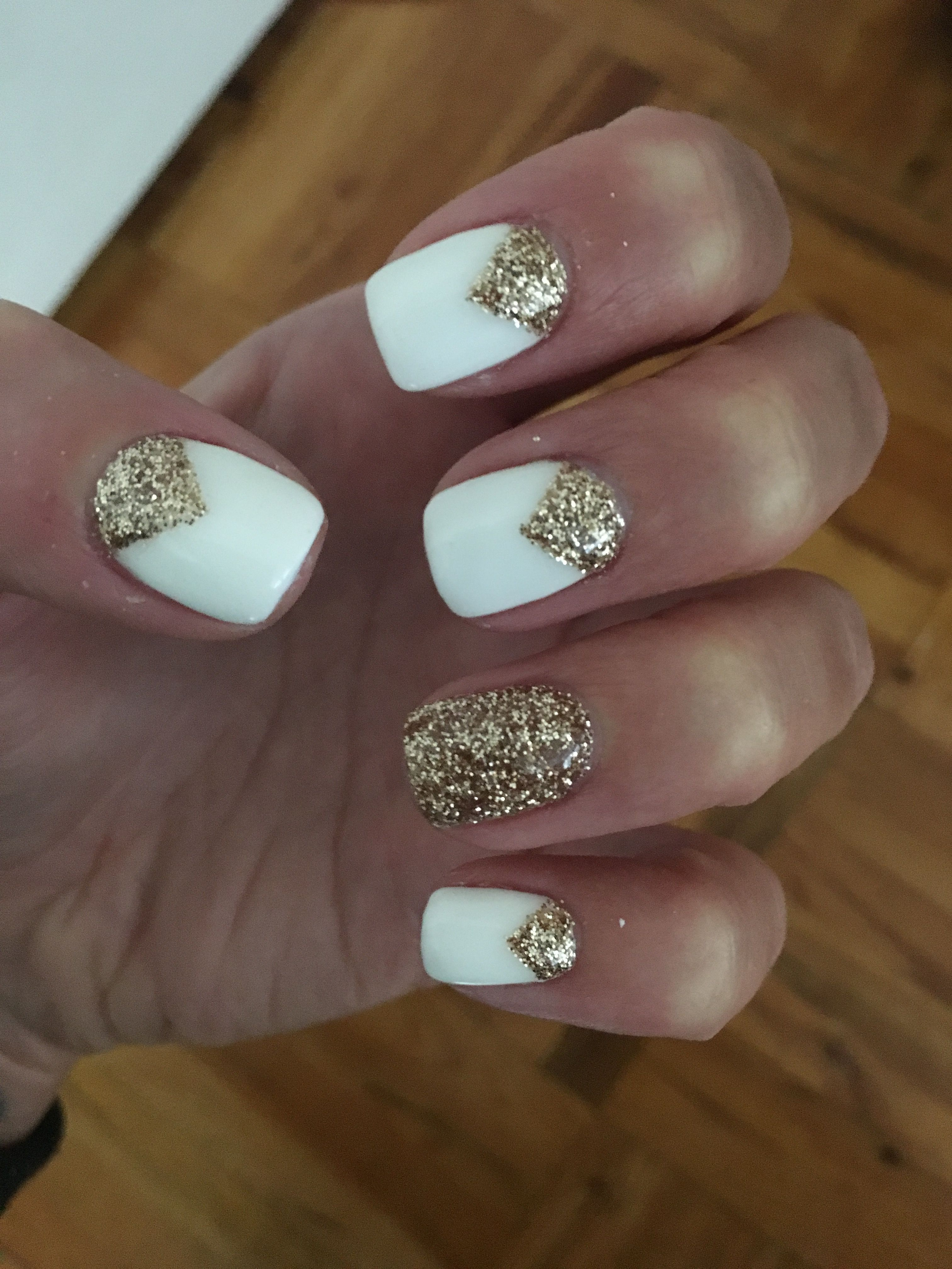 Cute Idea Will Have To Go Back To My Old Nail Place Nail Designs Glitter Gold Nail Designs Gold Glitter Nails