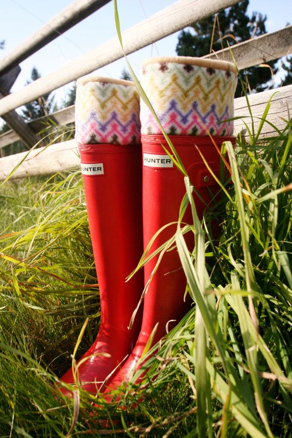 Red Hunter Rain Boots look super cute with these SLUGS fleece rain boot liners from www.withtherain.etsy.com #etsy