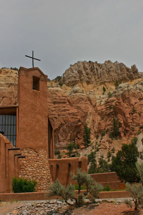 The Chapel In New Mexico Thats Located In The Most Unforgettable Setting