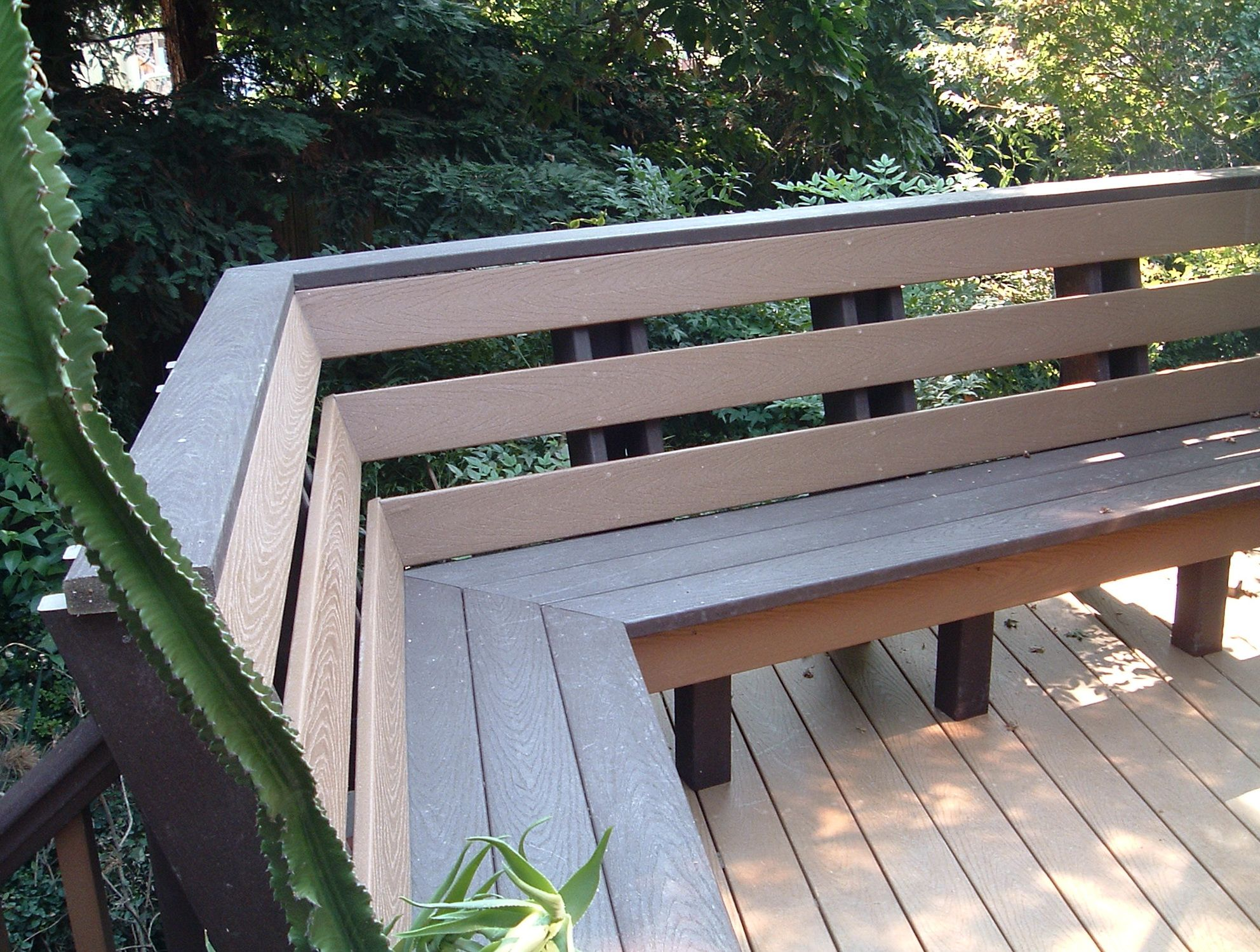 Built in deck benches with backs home design ideas u pinteresu