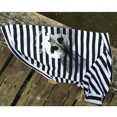 Paita HappySkull Musta Koot S-L Pienen koiran paita. RaitaT-paita ROCK! Mukavan pehmeä paita, pujotetaan päälle. - See more at: http://somemore.fi/tuotteet.html?id=13/221#sthash.ArOp07yG.dpuf