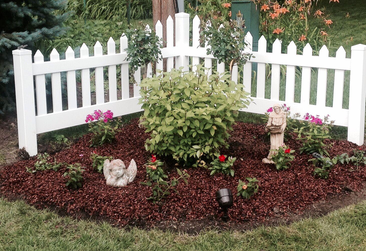 Sunny Garden Corner Landscaping Shade Garden Front 400 x 300