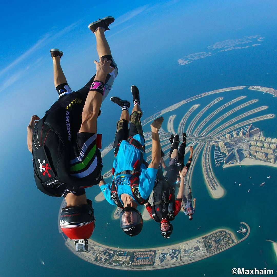 Turbolenza On Instagram Magic Rafaelschwaiger Leading A Group Of Flyers Over The Palm In Dubai Stunning Photo Max Ha Skydiving Base Jumping Air Sport