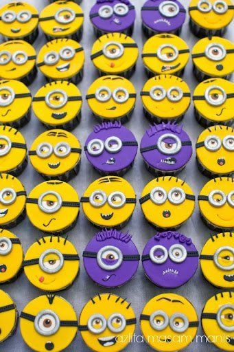 Minions Cup Cake @FoodBlogs