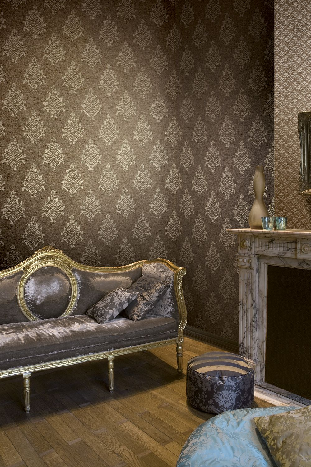 Brown Damask Wallpaper With Gold Details In 2020 Brown And