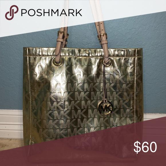 9e6be48289b49f Gold purse Shiny gold mk purse! Michael Kors Bags Totes   My Posh ...