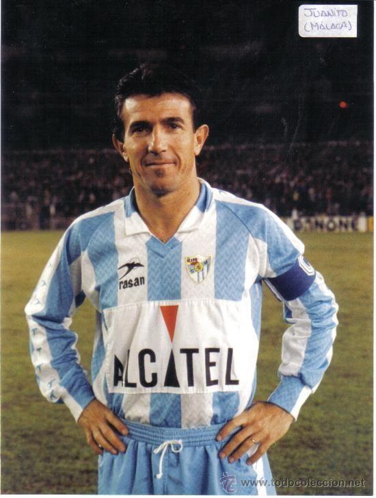 Juanito con la camiseta del malaga futbol football for Juanito makande malaga