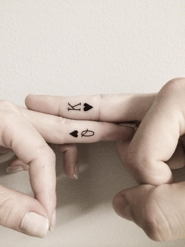 Simple King And Queen Tattoos On Finger For Couples Black Heart
