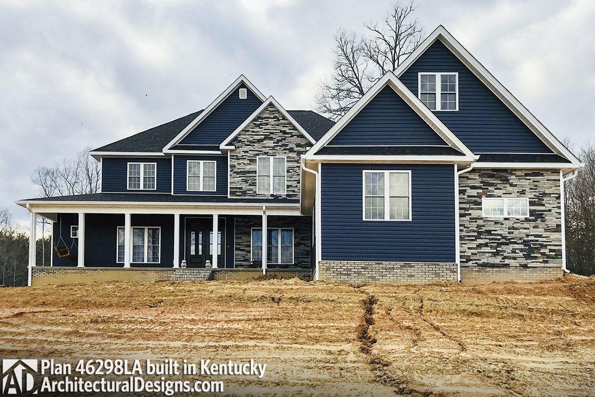 Five bedroom traditional with wraparound porch