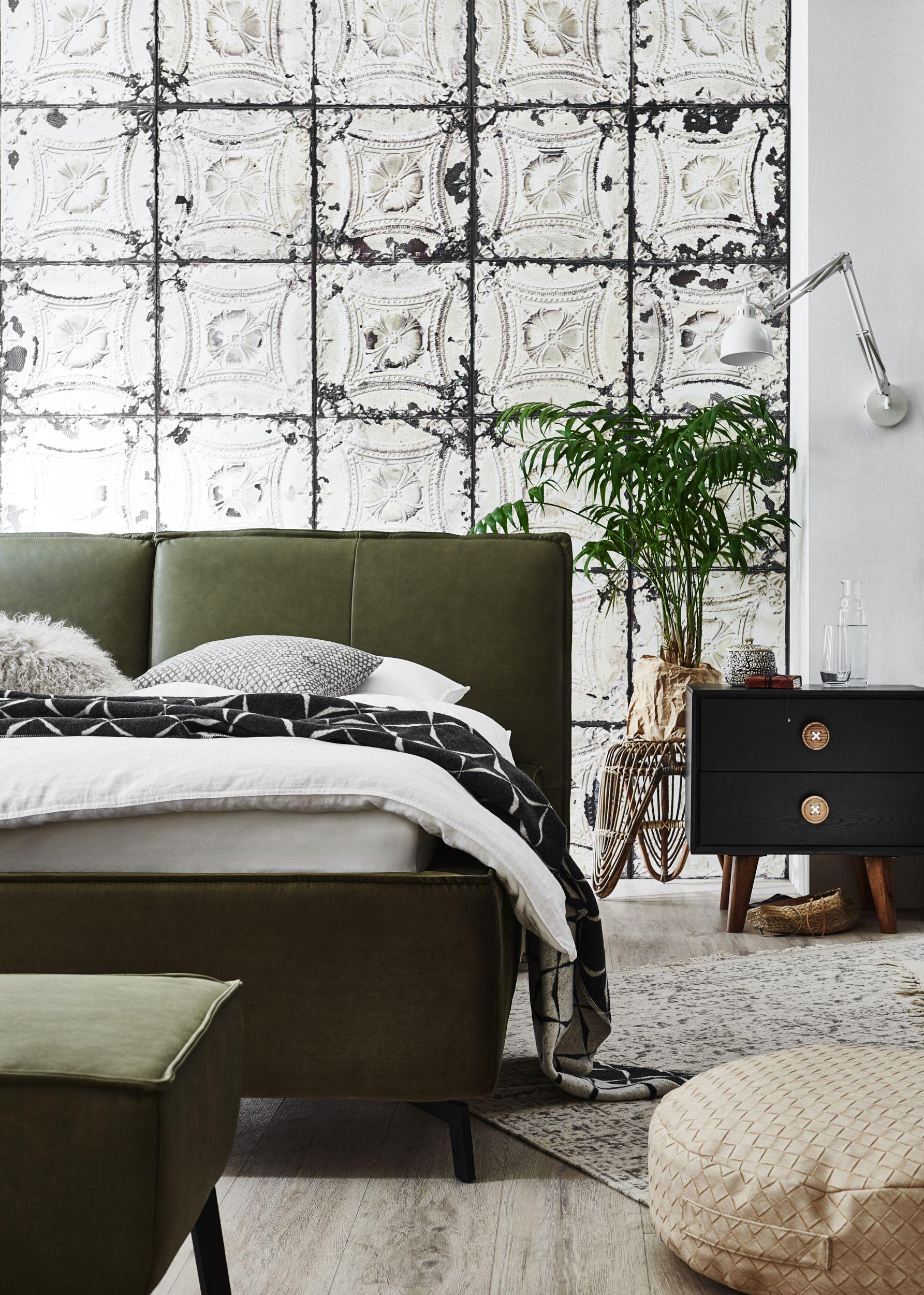 Wieso nicht mal ein grünes Bett? Ein echter Blickfang ist es ...
