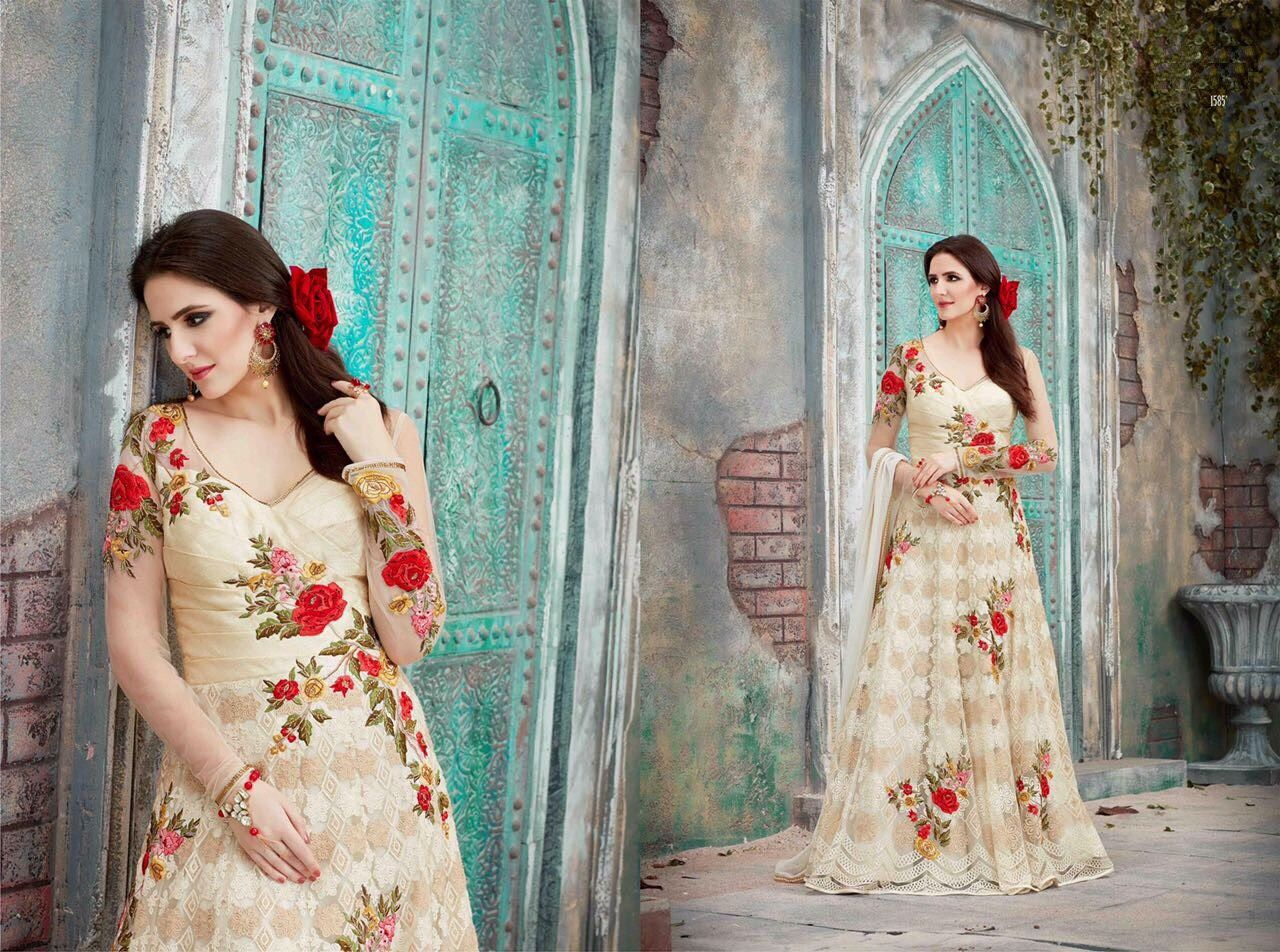Famous Kareena Kapoor Wedding Dress Gallery - Wedding Ideas ...