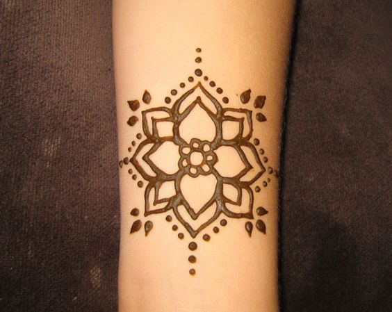Mehndi Tattoo Designs For Boys : Pin by hannah rojas on tattoos that i love hennas