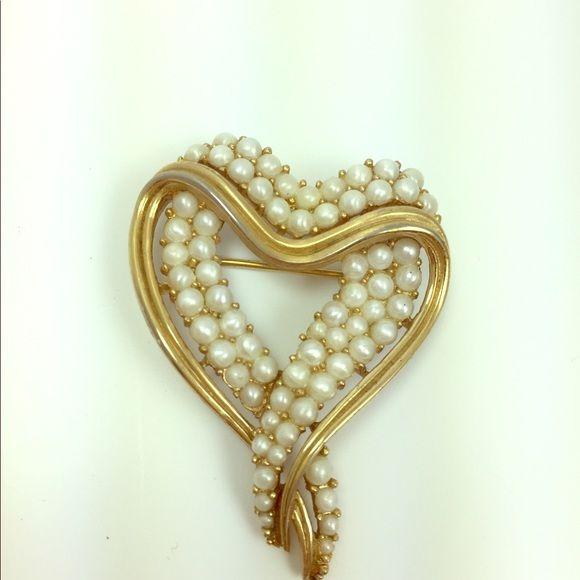 Trifari pearl heart shaped brooch   Costume jewelry makers ...